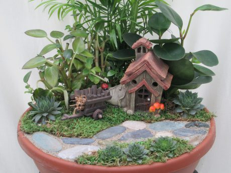 Mini Garden 12 inch bowl w/house
